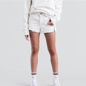 Womens Levis 501 High Rise Raw Hem Jean Shorts 28